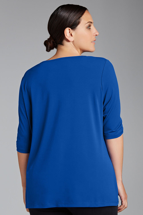 Sara Scoop Neck Tee