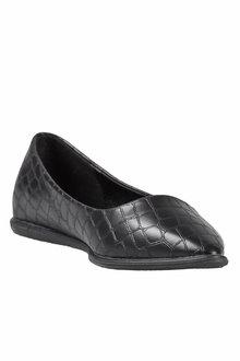 Emerge Pointed Toe Flat