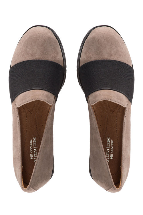 Naturalizer Izabel Almond Toe Slip On