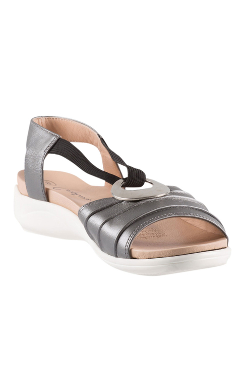 Capture Samantha Sandal Flat