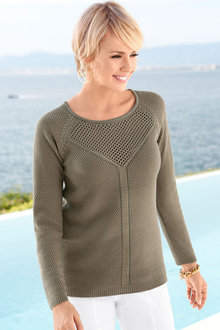 Capture European Detailed Knitted Pullover