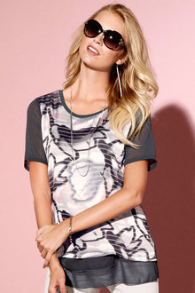Capture European Layered Printed Top