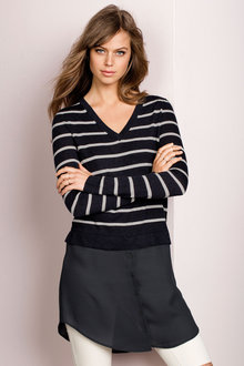 Emerge V-neck Knit