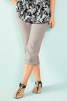 Plus Size - Sara Linen Crop