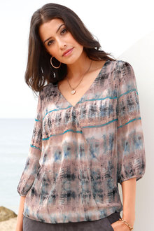 Capture European Printed Wrap Front Top