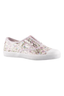 Capture Pull On Sneaker - 163353