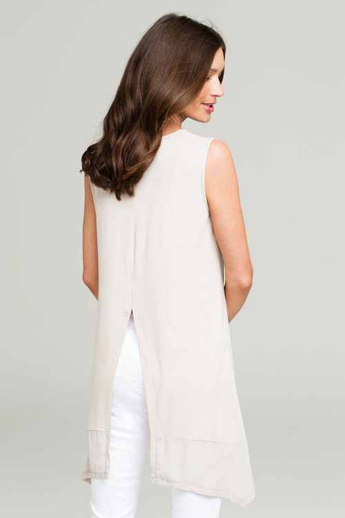Capture High Low Trimmed Top