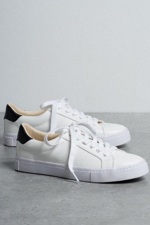 Vivian Sneaker
