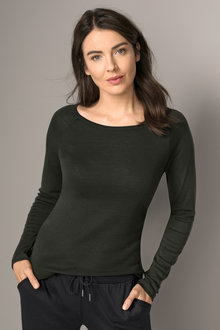 Capture Merino Raglan Crew Neck Top