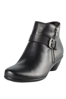 Naturalizer Hitch Ankle Boot