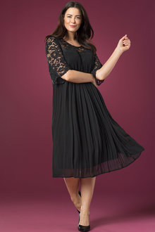 Plus Size - Sara Romantic Dress