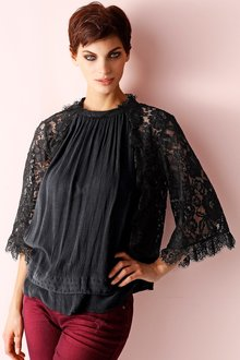 Capture European Lace Sleeve Tunic