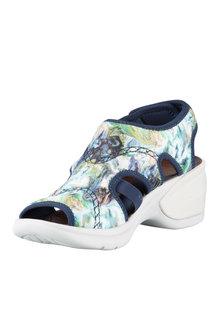 Naturalizer Kiss Sneaker