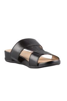 Naturalizer Yelena Sandal Flat