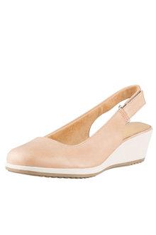 Naturalizer Bridget Court Heel
