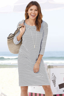 Capture European 3/4 Sleeve Casual Dress