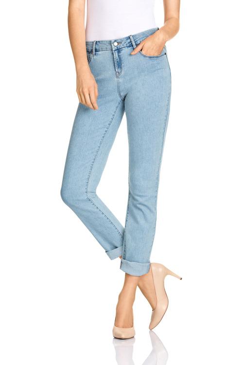 Capture Girlfriend Jeans