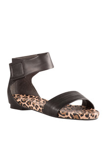 Emerge Polly Sandal Flat