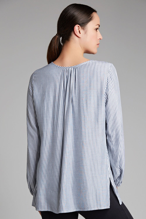 Capture Embroidered Detail Top