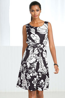 Euro Edit Printed Sleeveless Dress