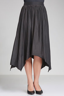 Capture Hankerchief Hem Skirt