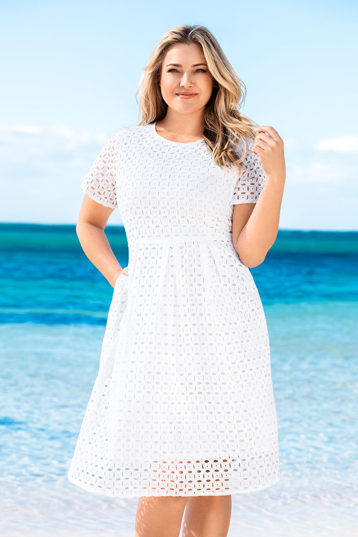 b1ab2937efa01 Plus Size - Sara Broderie Tea Dress