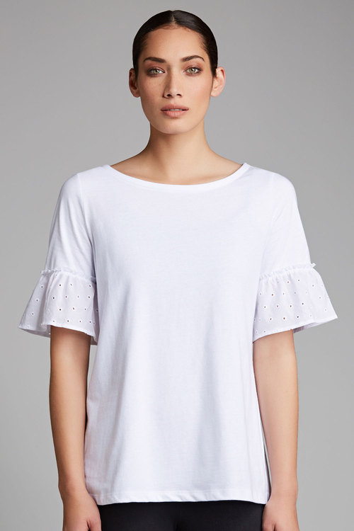 Capture Broidery Trim Tee