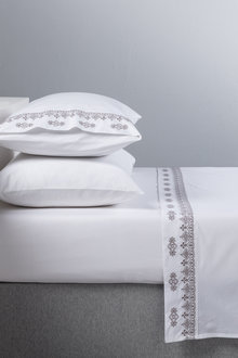 Elin Embroidered Sheet Set