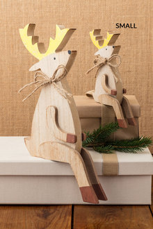 Sitting Reindeer