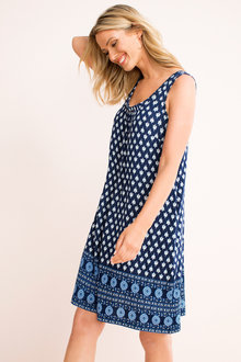 Capture Pocket Swing Dress