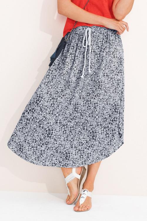 Capture Pull On Skirt