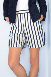 Capture Stripe Short