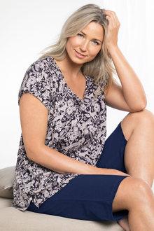 Plus Size - Sara Short Sleeve Scoop Neck Tee