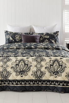 Kinsley Bedcover Set