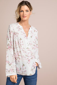 Capture Print Shirt With Lace Trim