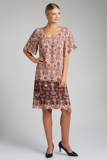 Capture Scoop Neck Shift Dress - 190191