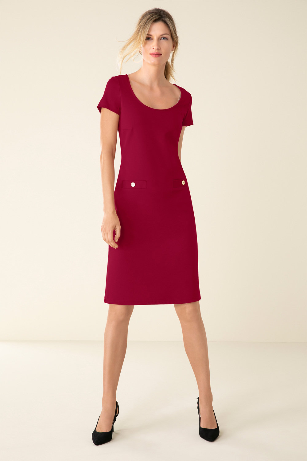 Red sheath dress: the best combinations, features of choice and recommendations 12