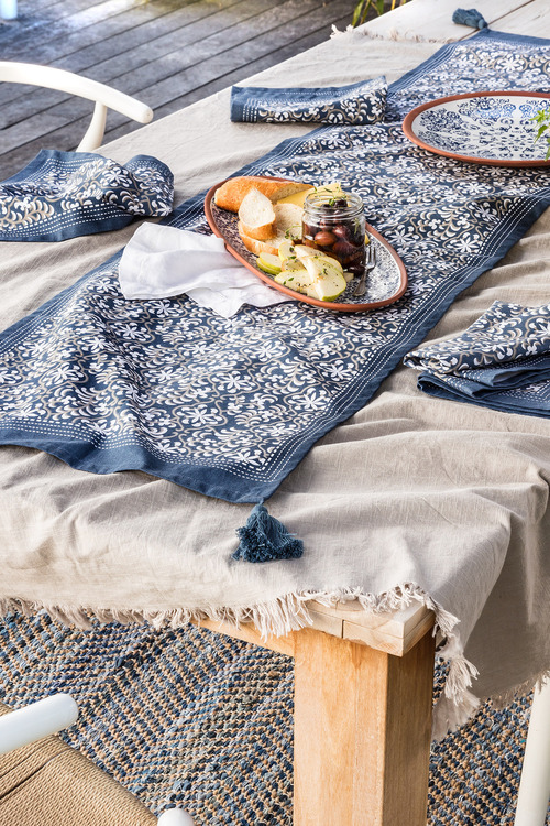 Bennett Frayed Tablecloth