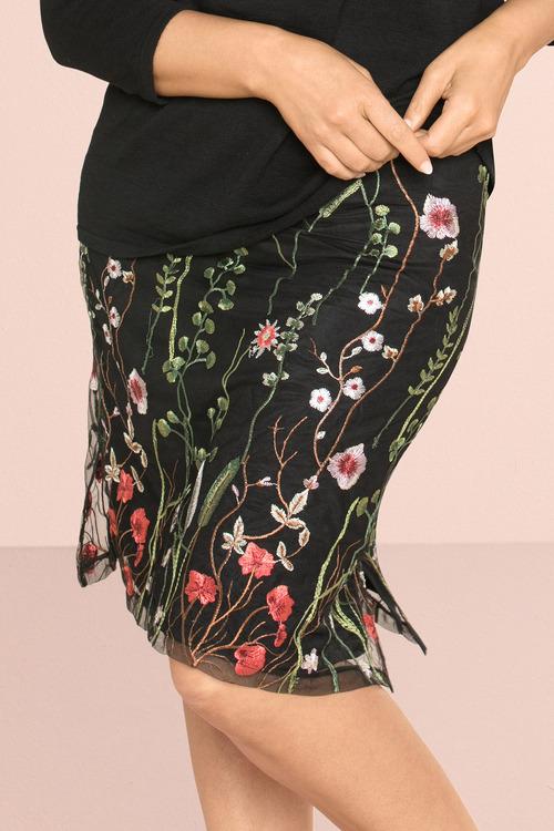 Sara Embroidered Skirt