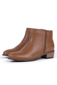 Columbia Boot