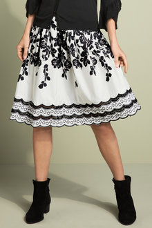 Capture Printed Full Lace Hem Detail Skirt