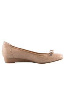 Naturalizer Dove Court Heel