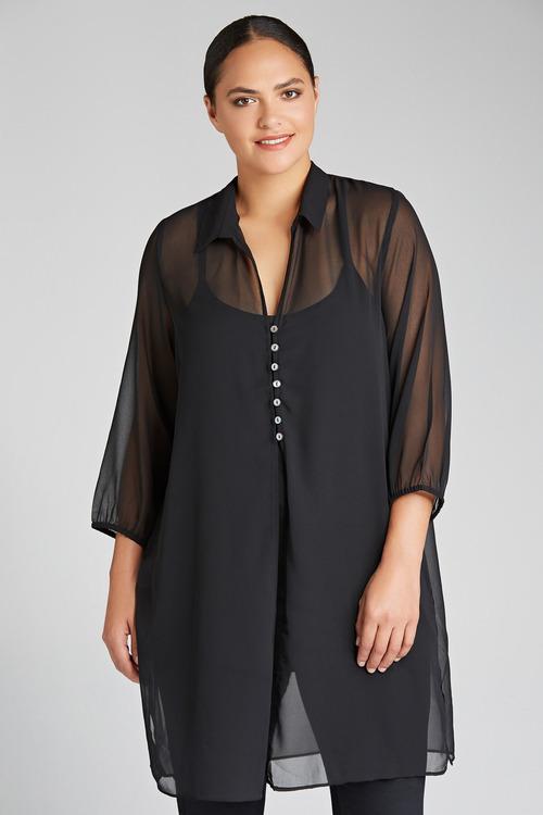Sara shopping online