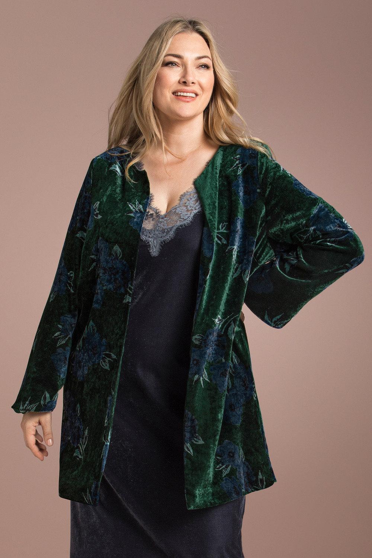 b3e3815cf8229 Plus Size - Sara Statement Velvet Jacket