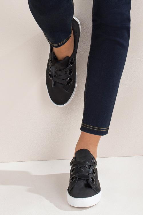 Wide Fit Phoenix Ribbon Lace Up Sneaker
