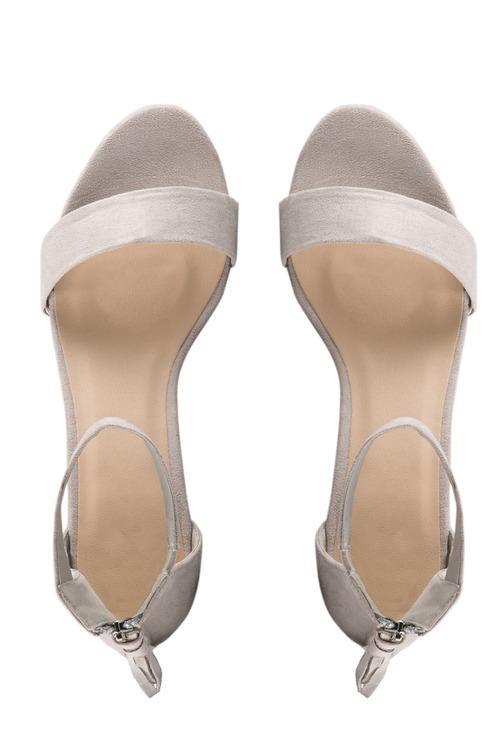 Capture Jenna Tassel Sandal Heel