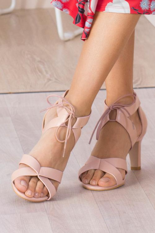 Capture Hibiscus Ghilly Tie Sandal Heel