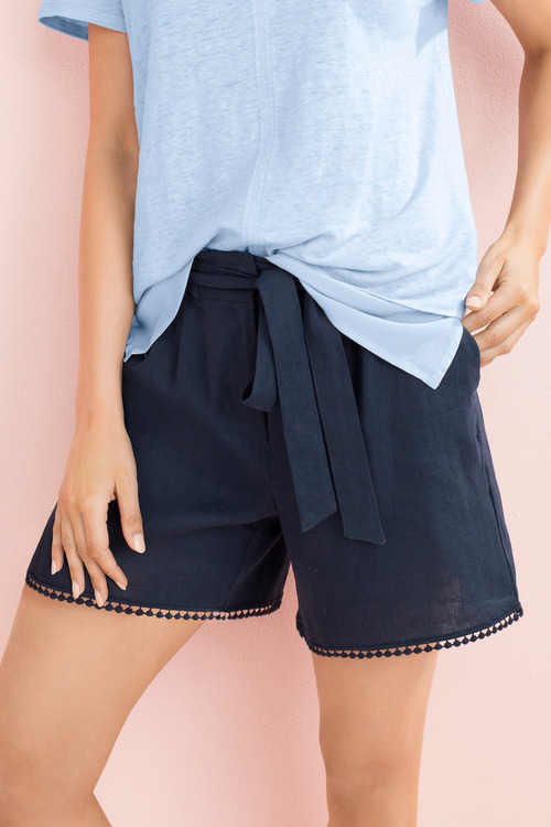 Capture Linen Trim Detail Short