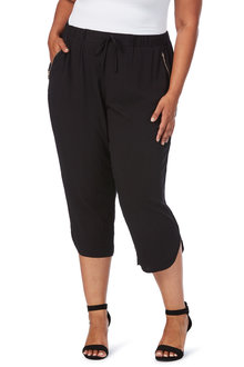 Plus Size - Beme 3/4 Black Pull on Pant