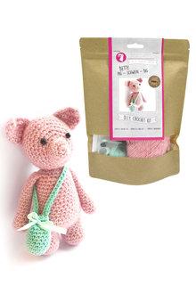 Hardicraft Betty Pig DIY Crochet Kit